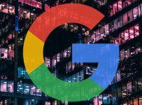 Google investiga casos en los que los sitios de noticias de grandes marcas se posicionan por encima de los pequeños editores especializados
